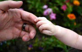 چرا درمانگرتان درباره دوران کودکی تان سوال می کند؟
